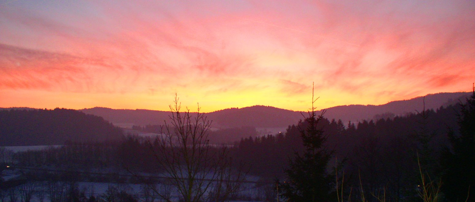 panoramabilder-simmerlhof-winterurlaub-bayerischer-wald-abendrot